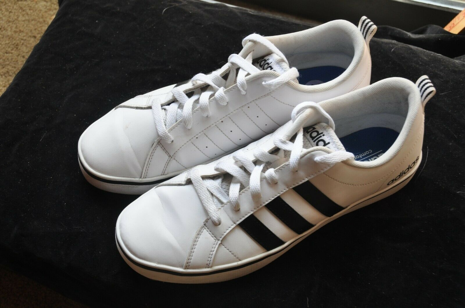 on sale e0894 ffc97 Adidas White Leather Athletic Sneaker shoes Men s Sz 8.5 M Nice