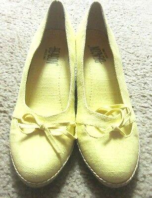 c3b0daac39b36 Mint Beautiful Yellow Shoes Size 7 1/2N By BEACON | eBay