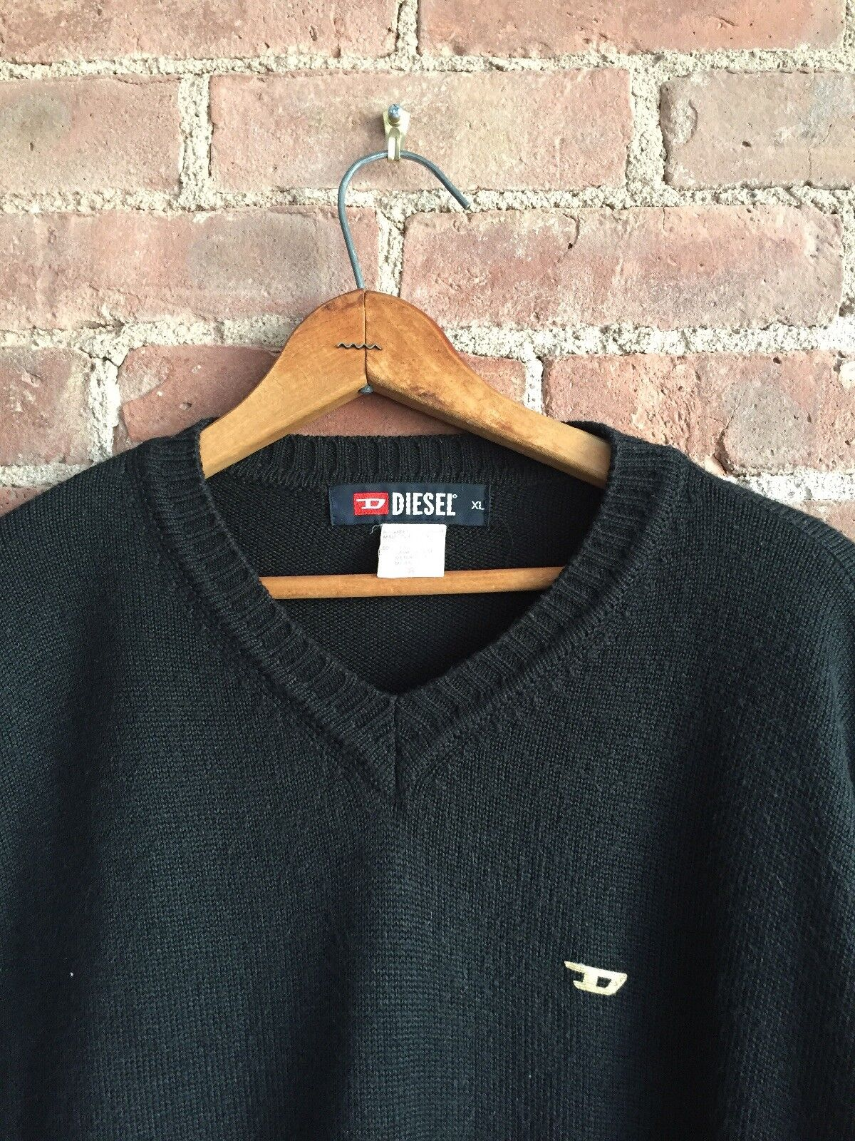 VINTAGE Men's Diesel Sweater. Sz XL, gold D