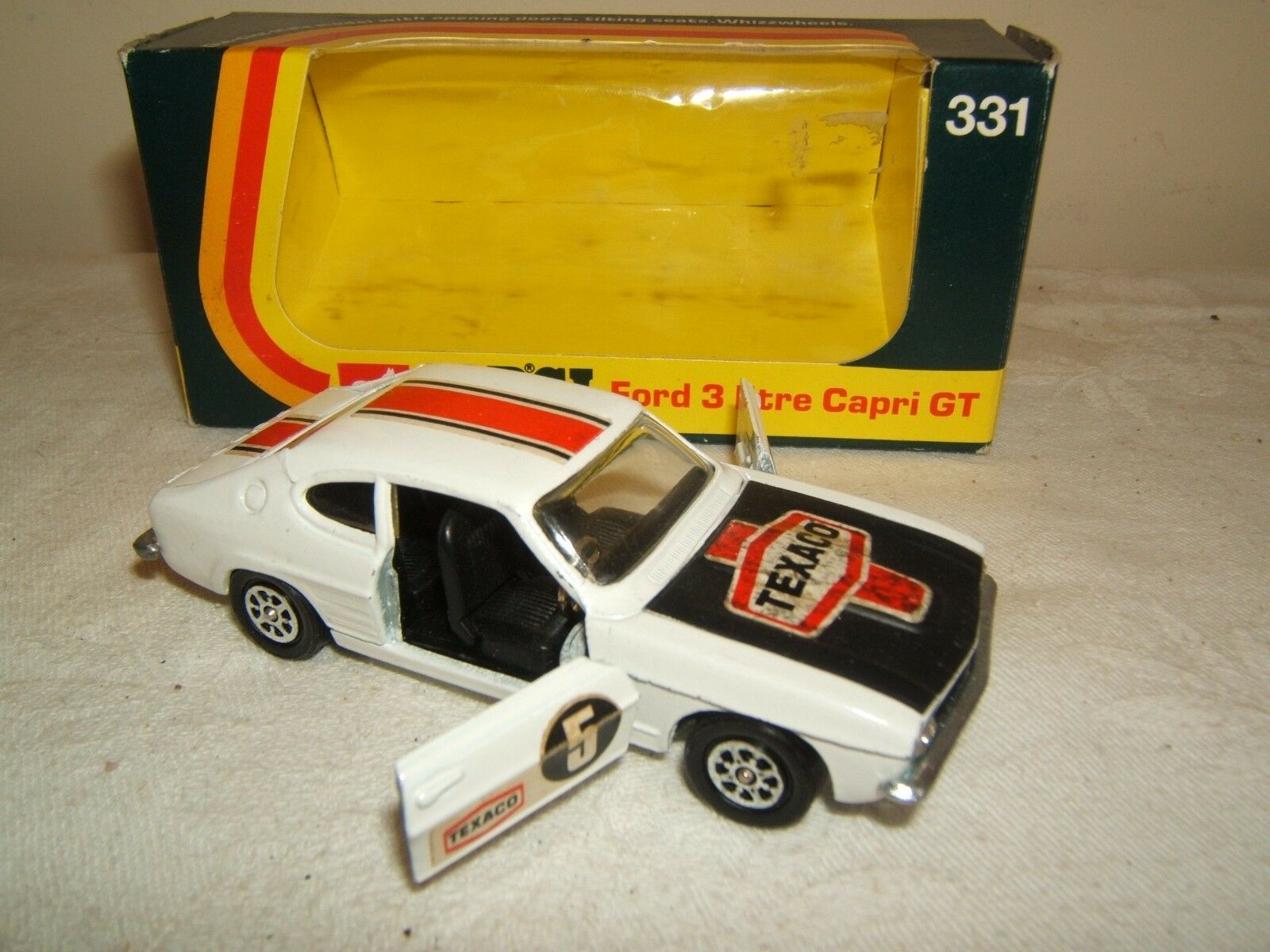 CORGI TOYS MODEL No.331     FORD 3 LITRE CAPRI GT      VN MIB
