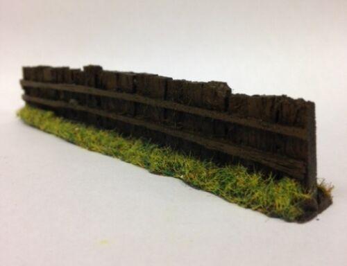 Javis PF9-10 x 130mm Dark Brown Sleeper Fencing 00 Gauge = 1//76 Scale 1st Post