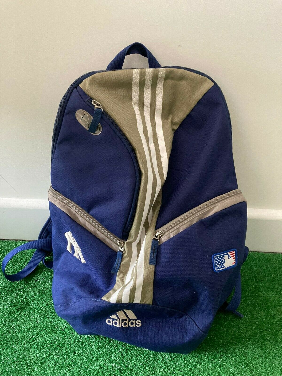 Retro Adidas NY Yankees Backpack Bag Rucksack Blue & Gold With White Stripes
