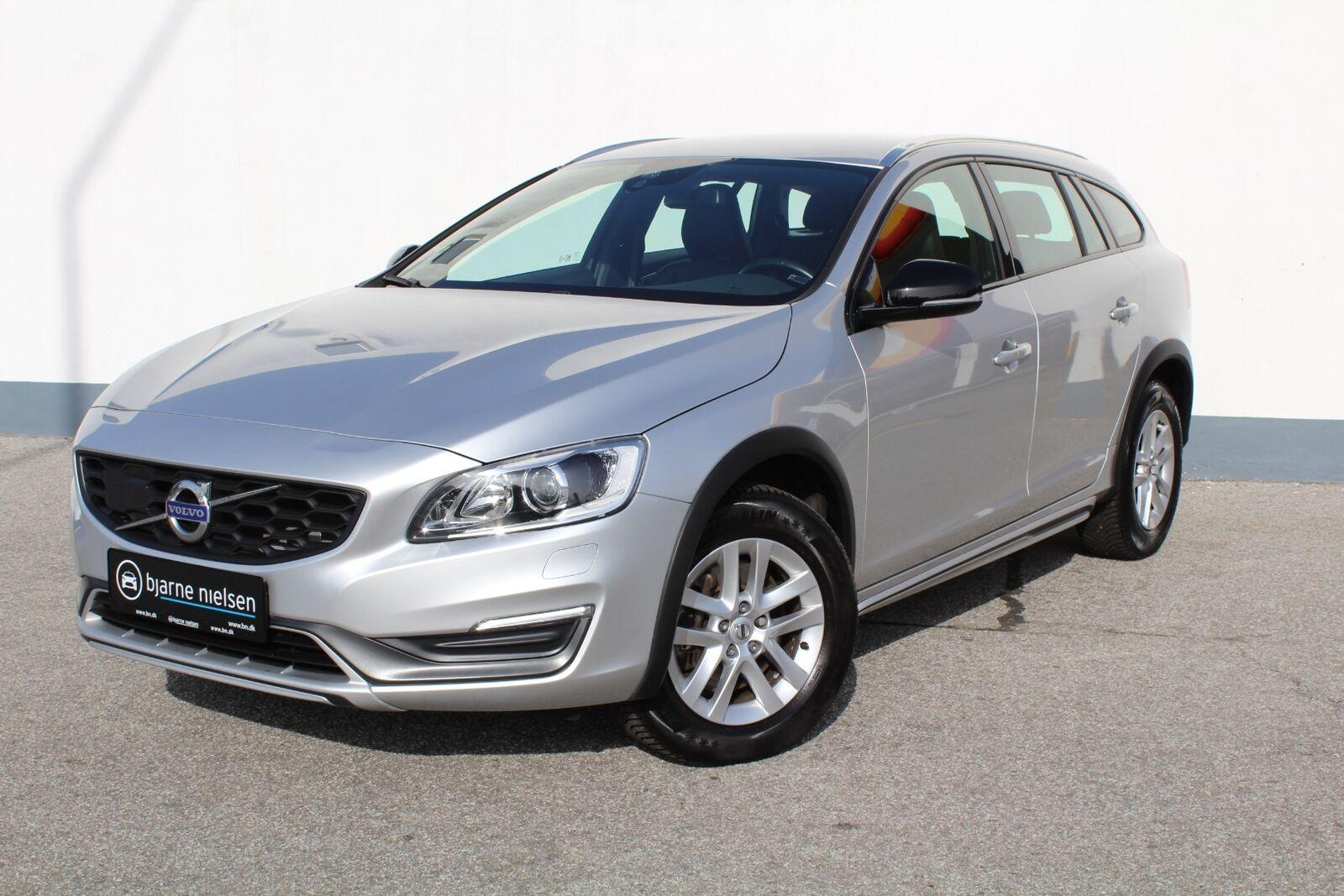 Volvo V60 CC 2,0 D3 150 Momentum aut.