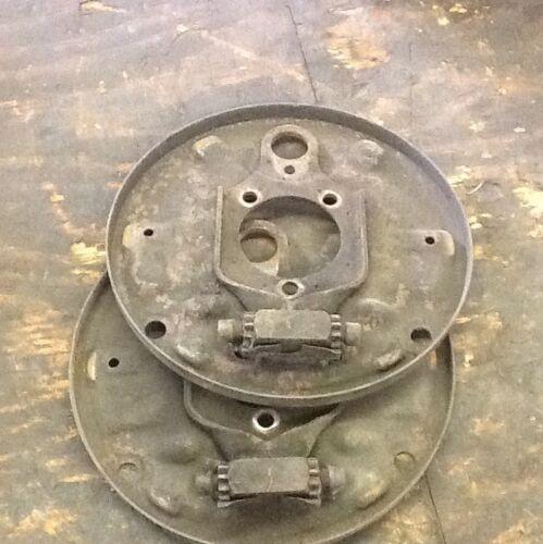 VW Bug Front Brake Backing Plate Set  68-77 Std Also Fits 65-67