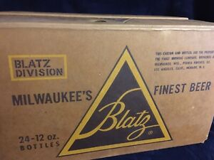 Vintage-1960-Blatz-Beer-Case-For-24-12oz-Bottles