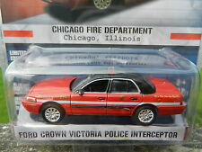 1:64 GreenLight *HOT PURSUIT R13* Ford Crown Victoria CHICAGO FIRE DEPT *NIP*