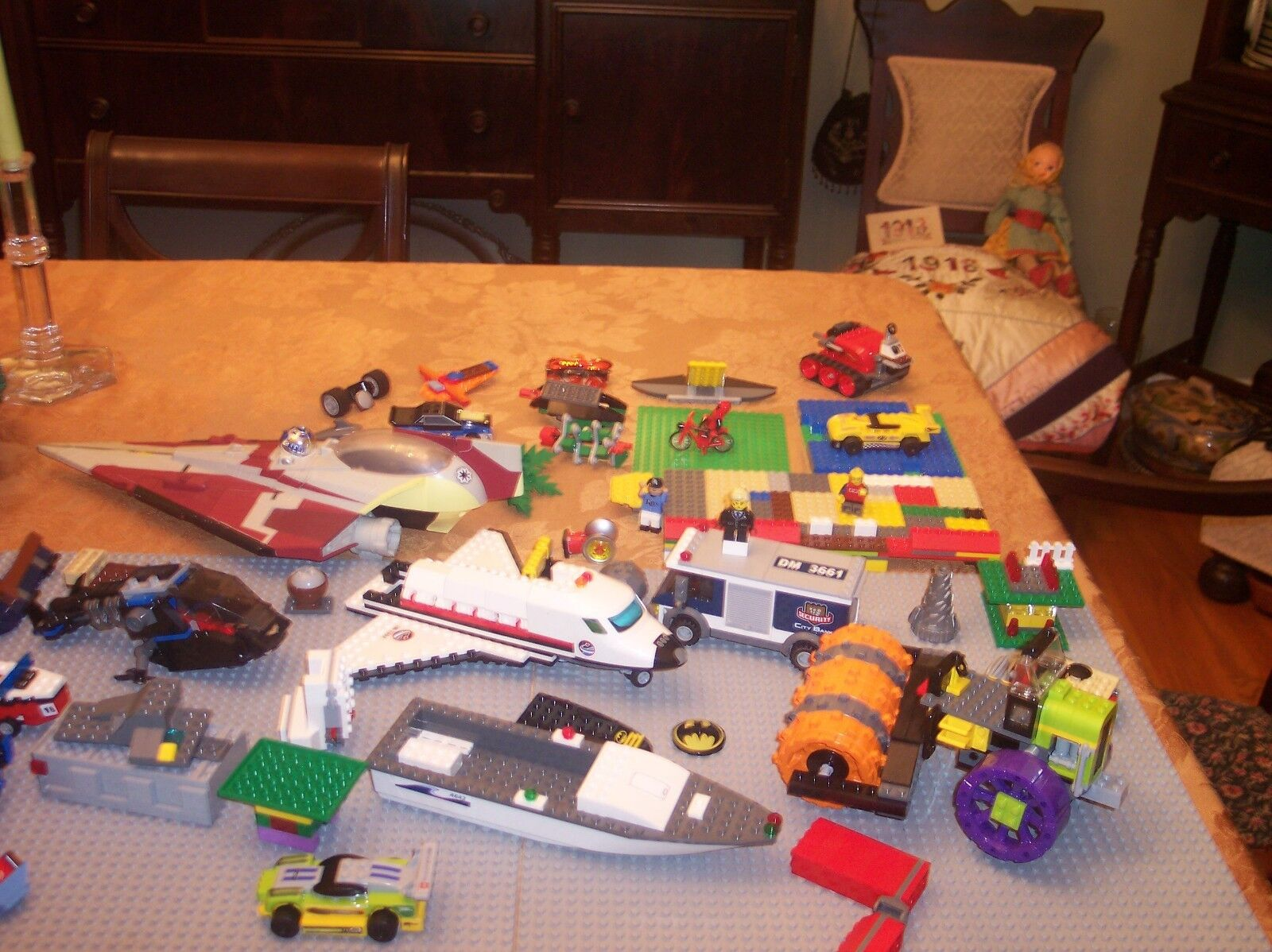 LEGO COLLECTION OF 50 + BIG PARTIALLY BUILT BUILT BUILT