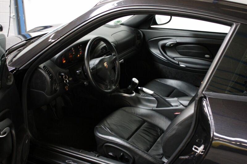 Porsche 911 Carrera 4S Coupé - 5