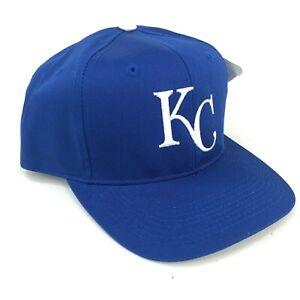Vintage-Kansas-Ciudad-Realeza-Al-Aire-Libre-Gorra-Plana-Gris-Azul-Blanco-k-Logo
