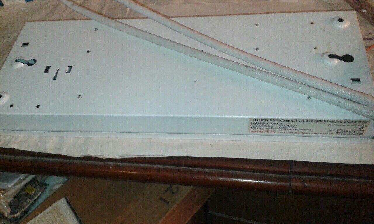 Espina de iluminación de emergencia remoto Gear Box 36-40W con el cableado 3hr E3RB36.T  DS45
