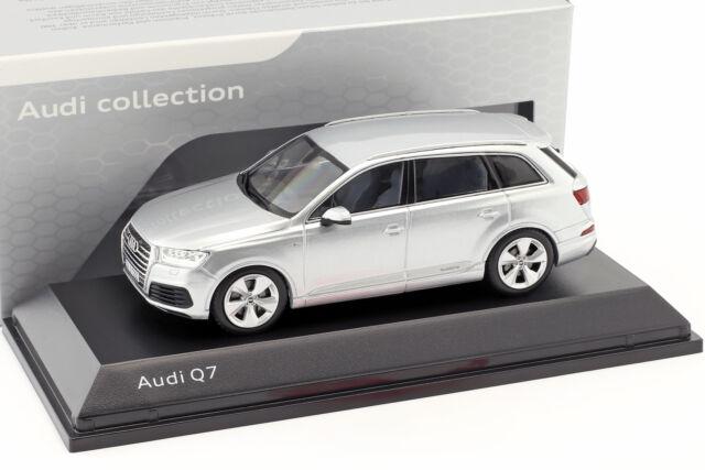Audi Q7 Anno di Costruzione 2015 Florett Argento 1:43 Spark