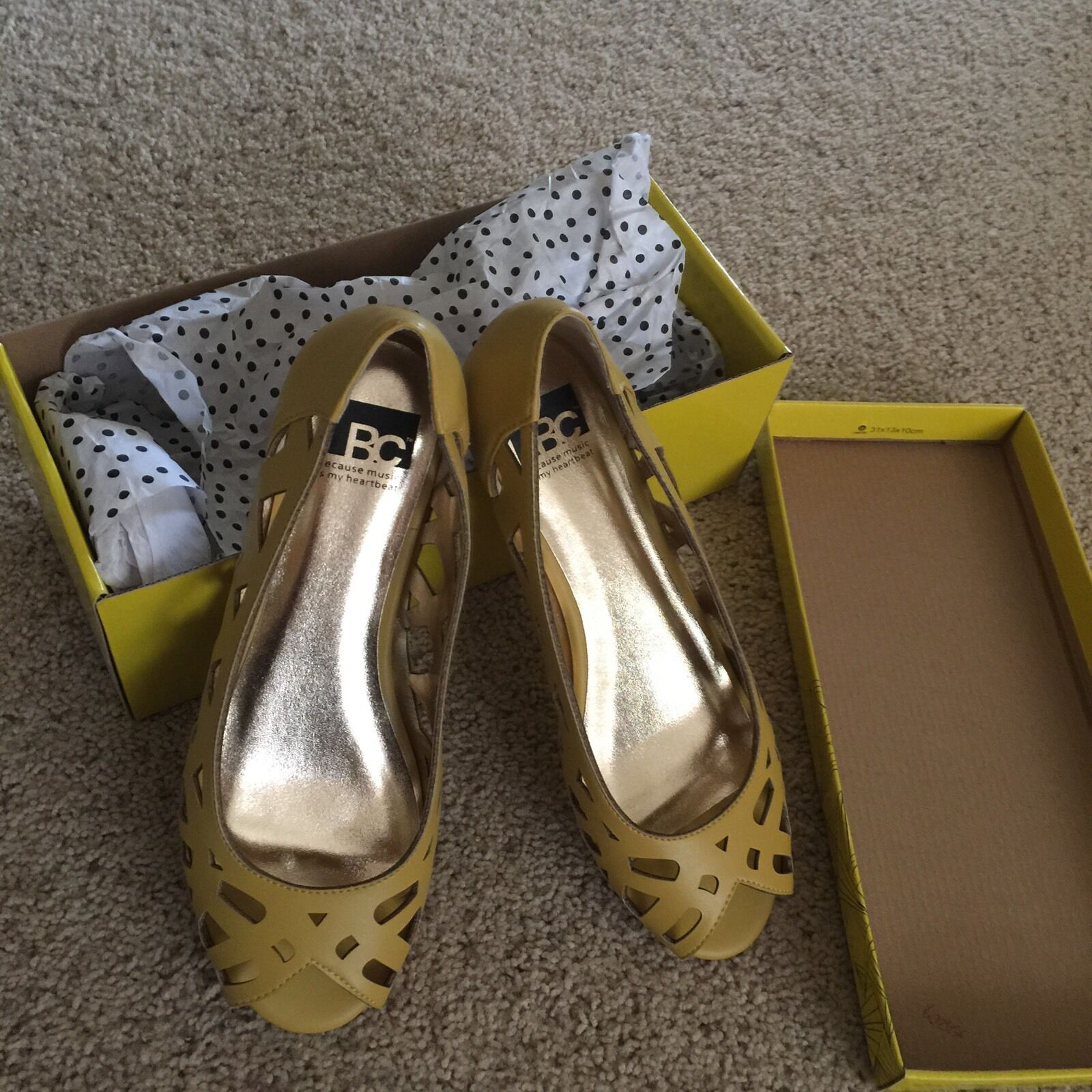Comfortable and Nice lightweight BC Very Nice and Shoes 8.5 Yellow fadf32