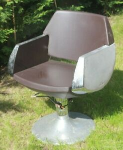 Vintage-Barber-s-Salon-Chair-Pietranera-Made-in-Italy-Art-Deco-Industrial-Office