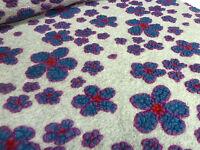 ☻ Stoffrest 9x140cm Musterwalk Walk Relief Blumen hellgrau blau rot fuchsia ☻