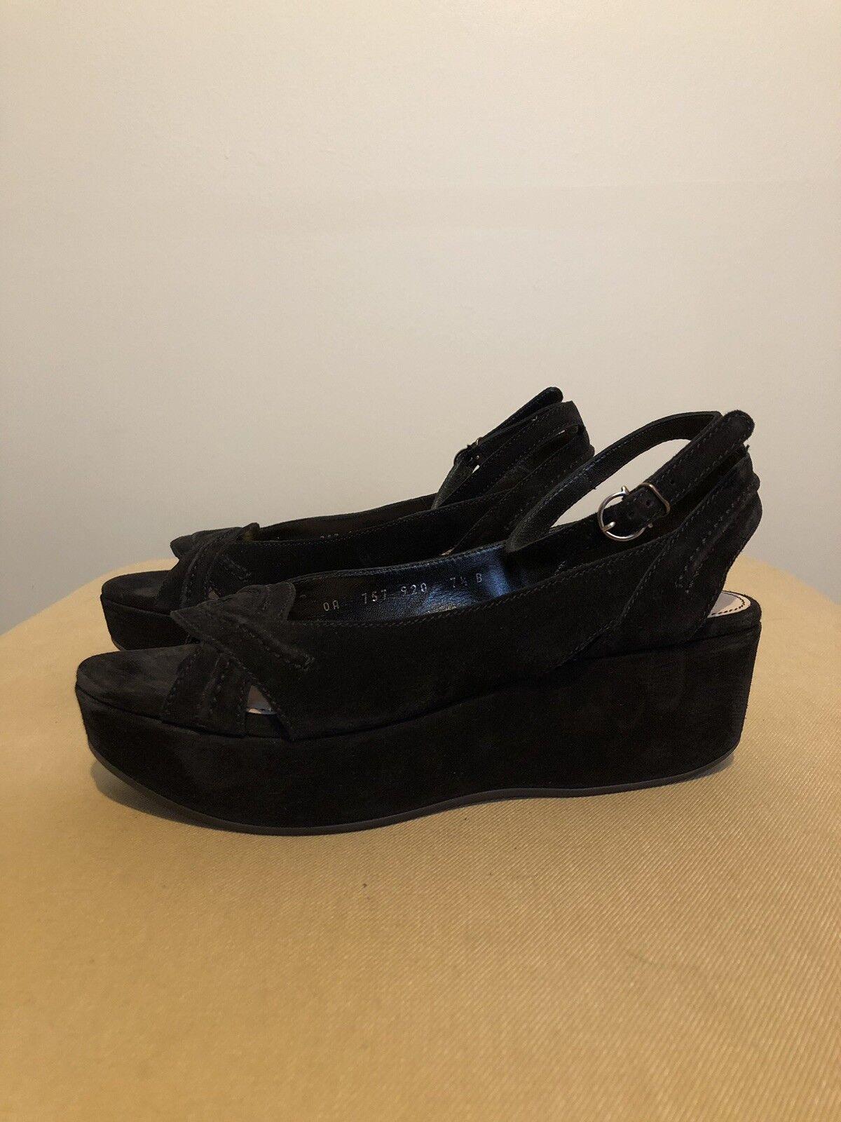 Salvatore  Ferragamo Suede Sandals.Dimensione 7.5B.  outlet