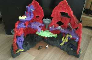 MIGHTY-MAX-TRAPPED-IN-SKULL-MOUNTAIN-PLAYSET-BLUEBIRD-TOYS-1992-FIGURES-RARE