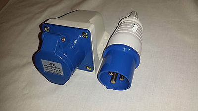 Effizient 32 Amp Plug And Wall Mount Socket 3 Pin Ip44 Rated, Caravan Camping Parks Etc