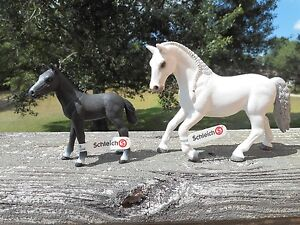 LIPIZZANER MARE AND FOAL by Schleich/toy/horse/13737/13738