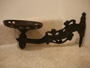 ANTIQUE-CAST-IRON-OIL-KEROSENE-WALL-LAMP-BRACKET-HOLDER-BLACK-PATENT-DATE-1871