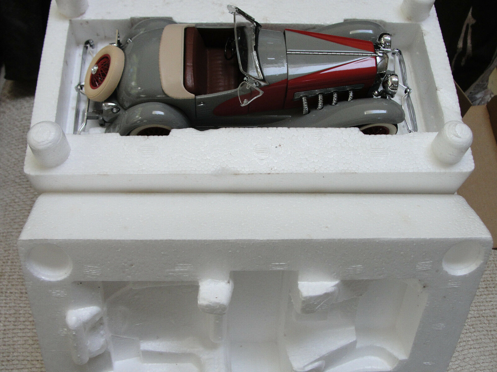 DANBURY MINT 1935 DUSENBURG ROADSTER---W / BOX
