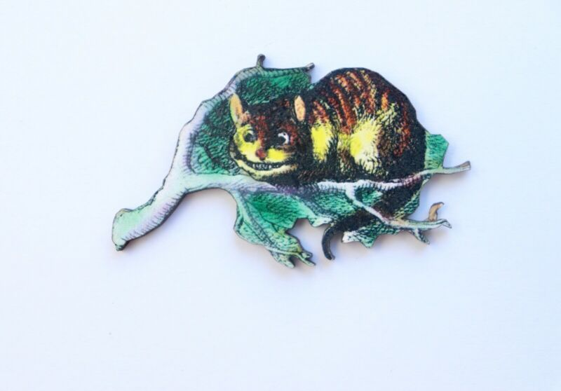 Alice In Wonderland Colourful Wooden Cheshire Cat Brooch Pin Badge