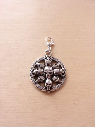 Schädel Gothic Halloween Totenkopf Amulett Schmuckanhänger Charms Silber