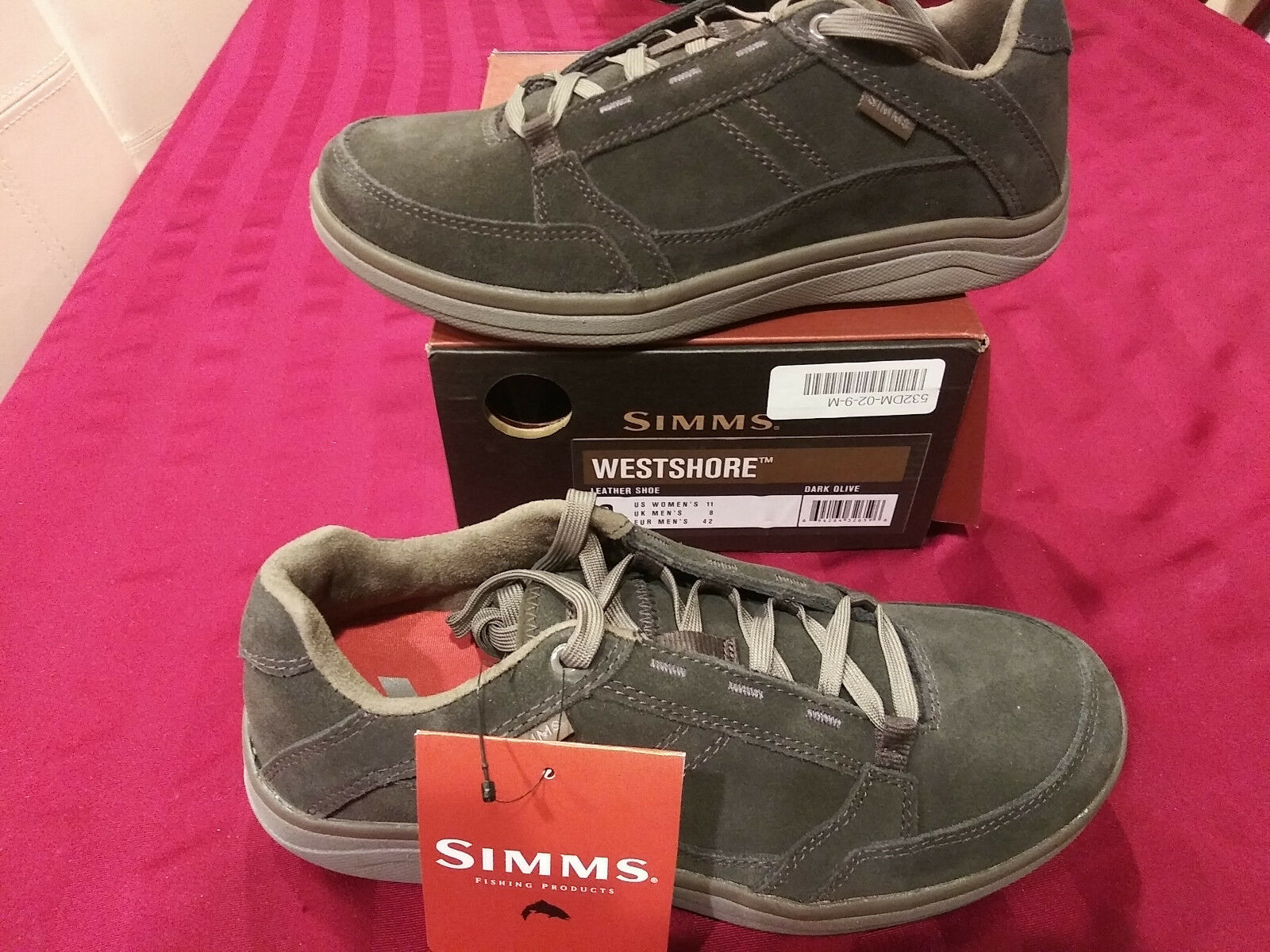 NEW  89 Mens Simms Westshore shoes, size 9        fishing hiking