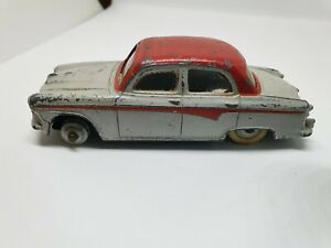 Vintage-Dinky-Austin-A105-Saloon-1958-1963