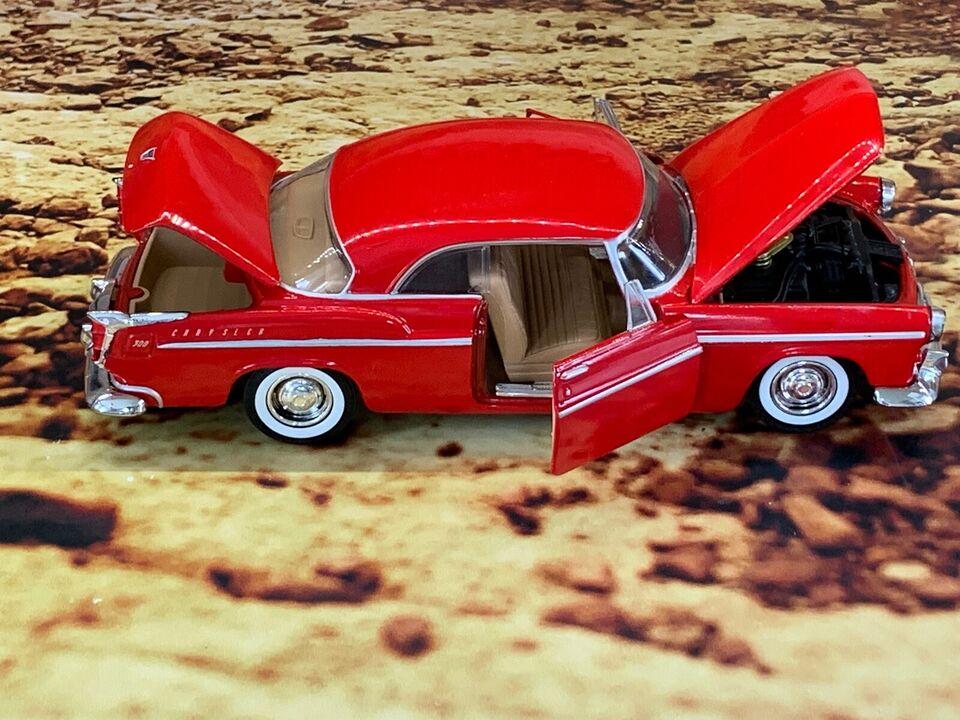 Modelbil, Motor Max 1955 Chrysler C300, skala 1:24