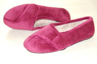Clarks K Navy ladies slippers sizes 3//35.5  New SALE
