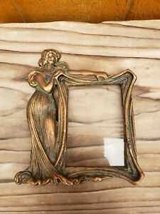 VINTAGE-ART-NOUVEAU-CAST-METAL-BRONZE-COPPER-PICTURE-FRAME-LADY-WOMAN-Beautiful