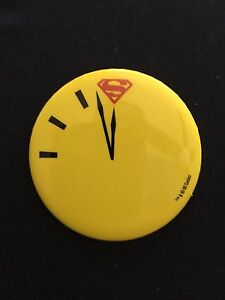 2017-DC-Superman-vs-Watchmen-Doomsday-Clock-Button-Pin