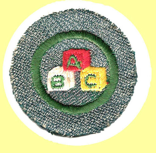 CHILD CARE 1947 ONLY Girl Scout Badge Silver Green A-B-C Blocks White Bobbin NEW