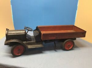 Keystone-Packard-Open-Cab-Dump-Truck-Pressed-Steel-Toy-Very-Rare