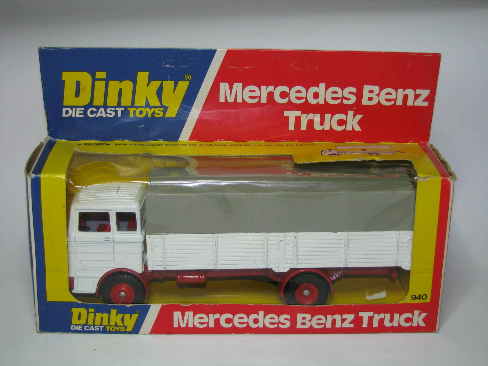 DINKY TOYS N°940 VINTAGE  Mercedes Benz Truck  NMINT COND.+ BOX