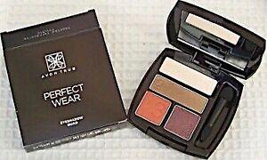 تسوق True- Perfect Wear Eyeshadow Palette - Sweet Love
