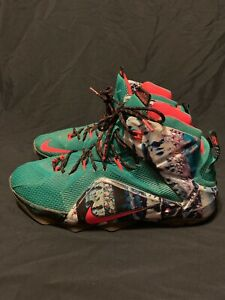 467dc457da0a Nike Lebron XII 12 XMAS Christmas 707558-363 Akron Birch Green Red ...