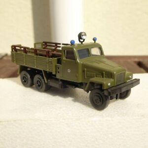 RK-modelle-camion-zil-KrAZ-Ural-lumiere-bleue-NVA-russe-Armee-su-URSS