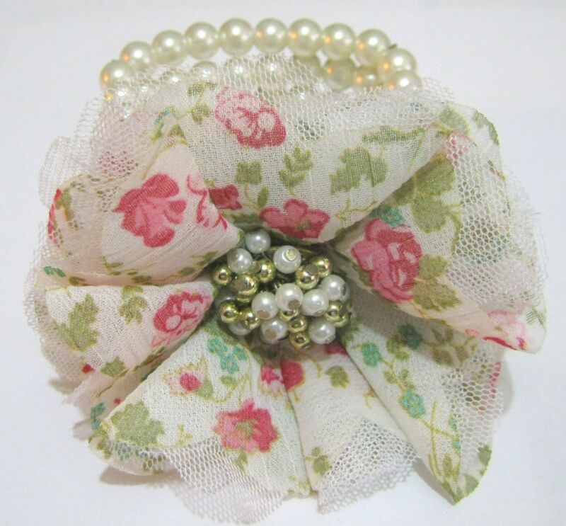 Lovely Elasticated 4x Strand Faux Pearl Bracelet Lacy Material Flower