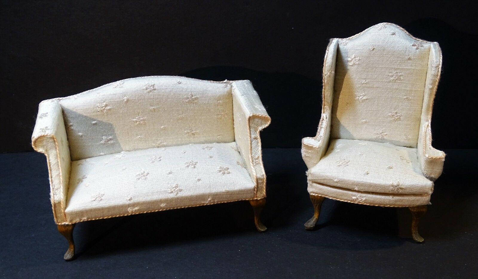 SUPER Signed Susan Hoeltge Silk Couch & Chair Dollhaus Miniature Möbel 1987