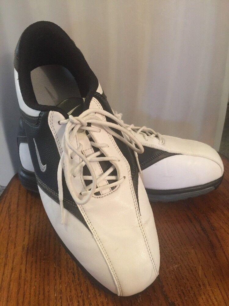 - scarpe da golf degli uomini in bianco e nero a giocare a golf coi tacchetti lacci sport dimensioni