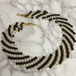 Vintage-Signed-Trifari-Black-amp-White-Collar-Necklace-19-Faux-Pearls-Gold-Tone
