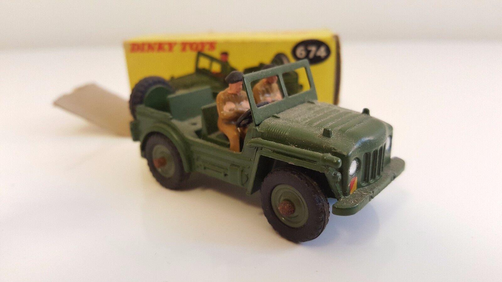 Dinky Toys - 674 - Austin Champ (Jantes concaves) en boîte d'origine