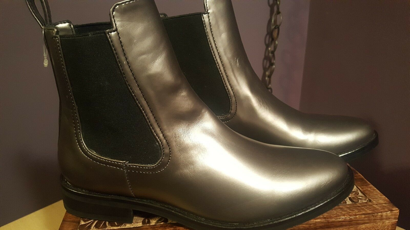 Thursday avvio Company Duchess donna's Chelsea metallic