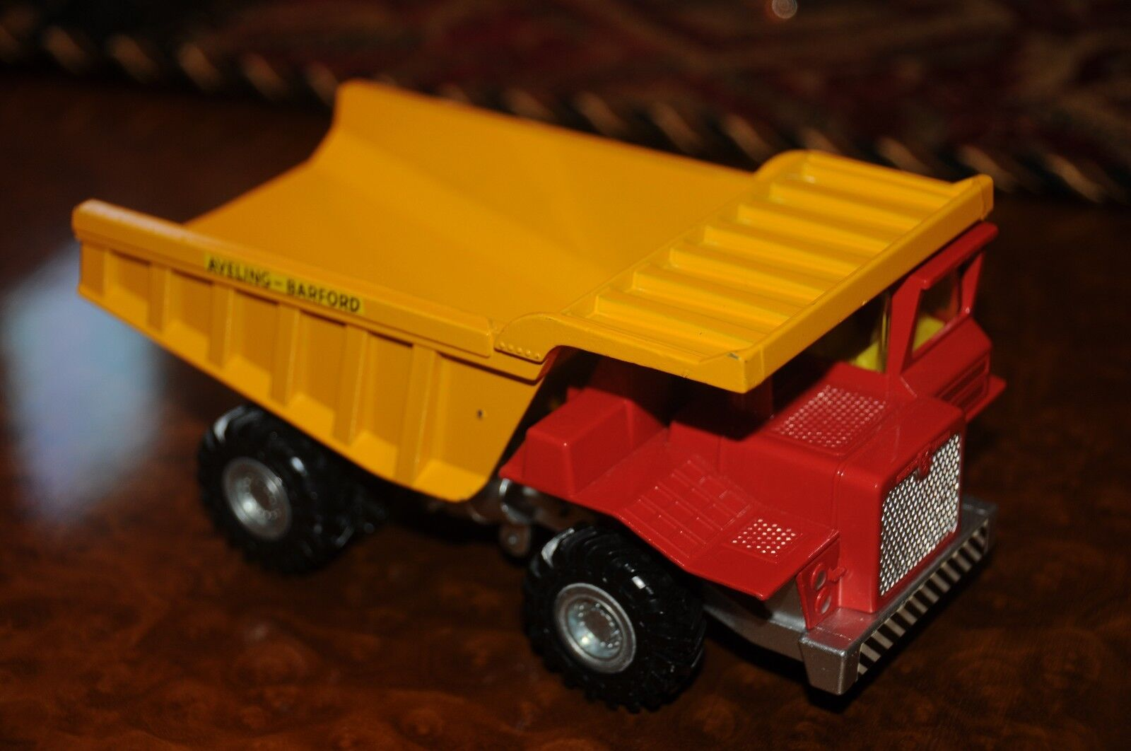 Vintage Dinky Toys   MIB   Aveling Barford  Centauro  Volquete   924