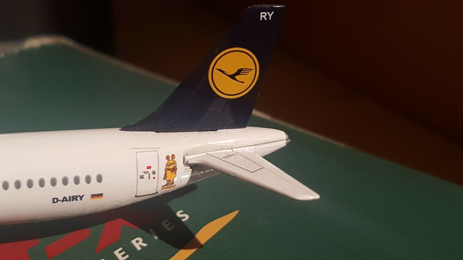 1 400 Jet X Lufthansa D-Airy with Catering Camion