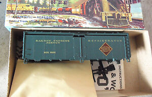 Vintage-HO-Scale-Athearn-Railway-Express-Agency-Refrigerator-Car-Kit-in-Box-1609