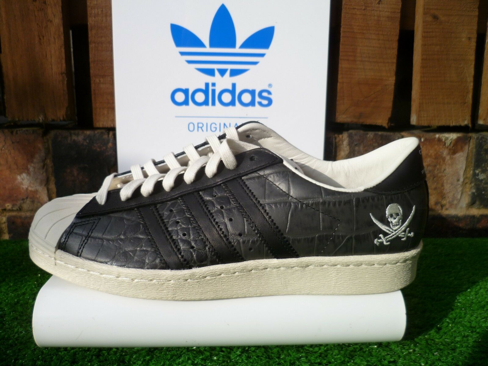 Adidas SUPERSTAR NEIGHBOURHOOD CONSORTIUM 10 ANNIVERSARY 80s casuals UK8.5 BNWT