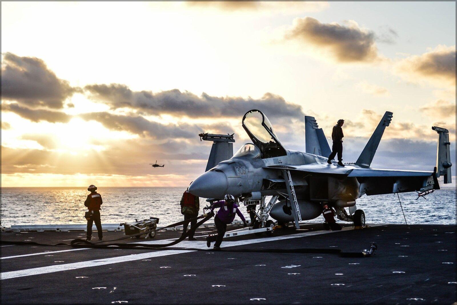 Poster, Molte Misure; Fa-18e F-18 Super Hornet a Bordo Bordo Bordo Uss Ronald Reagan (Cvn-76 93a2de