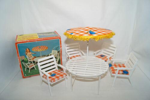 Sonnenschirm für Barbie,Petra,Puppen Garten-Terrassen Möbel 70iger Stuhl Tisch